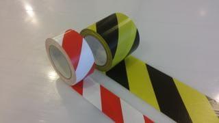 Marquages-et-bandes-adhesifs-pour-sol-1
