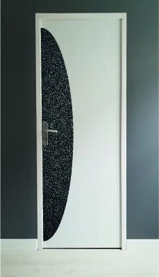 protection-verticale-de-porte-noir